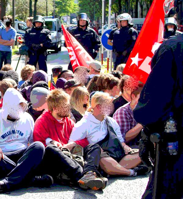 Blockadetraining in Dortmund - Kein Naziaufmarsch am 1. Mai 2014 - Dortmund stellt sich quer!